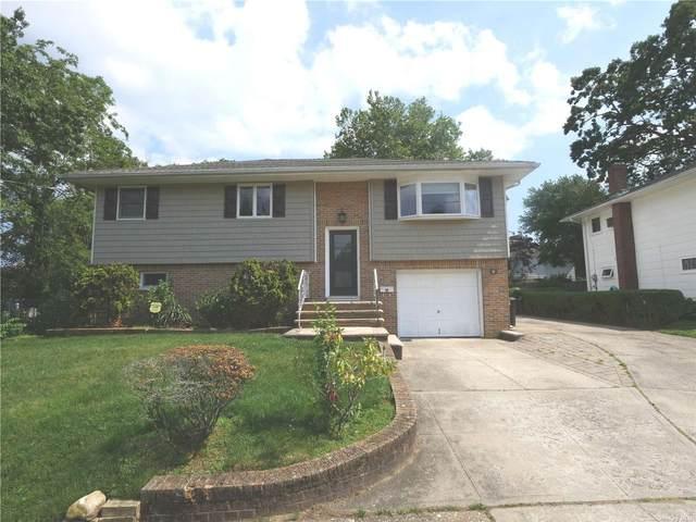 106 Copiague, Copiague, NY 11726 (MLS #3322031) :: Mark Boyland Real Estate Team