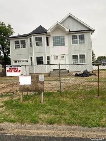 177 E Riviera Drive, Lindenhurst, NY 11757 (MLS #3322102) :: Mark Boyland Real Estate Team