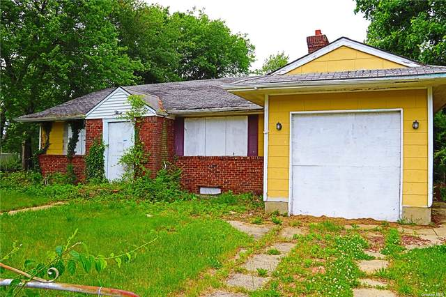 3 Hamlin Avenue, W. Babylon, NY 11704 (MLS #3322144) :: Mark Boyland Real Estate Team