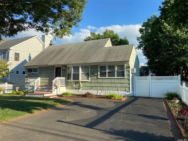 219 39th Street, Lindenhurst, NY 11757 (MLS #3322176) :: Mark Boyland Real Estate Team