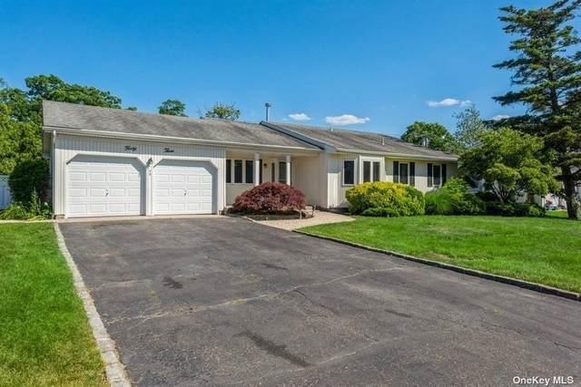 43 Fairfield Drive, Dix Hills, NY 11746 (MLS #3322675) :: Carollo Real Estate