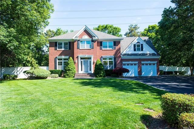37 Pheasant Run Lane, Dix Hills, NY 11746 (MLS #3322788) :: Carollo Real Estate