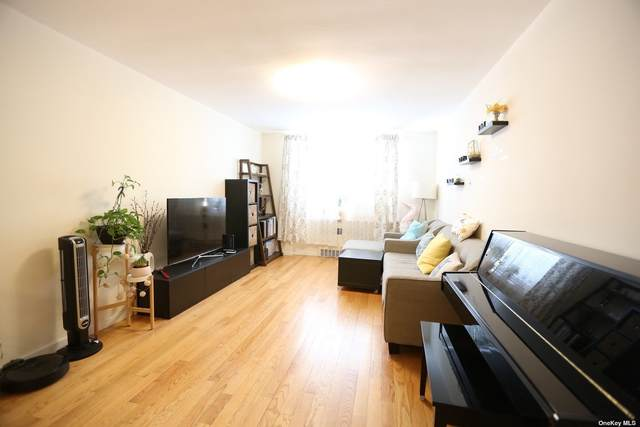 2626 141 Street 1E, Flushing, NY 11354 (MLS #3322822) :: Carollo Real Estate