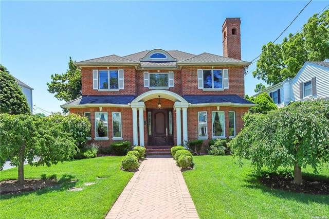 24 Steamboat Rd, Great Neck, NY 11024 (MLS #3322971) :: Carollo Real Estate