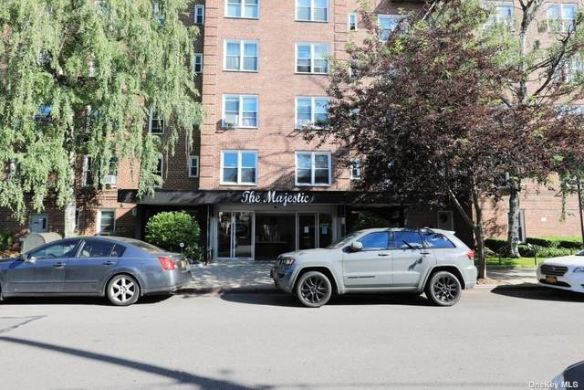 110-20 71st Ave #325, Forest Hills, NY 11375 (MLS #3322991) :: Signature Premier Properties