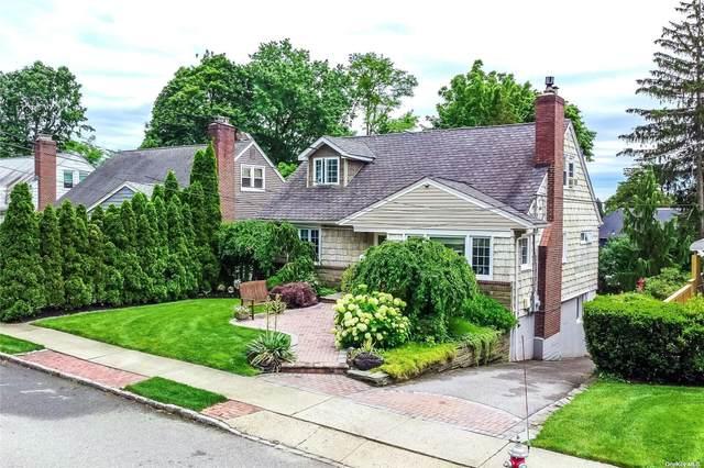 66 Hillside Ave, Roslyn Heights, NY 11577 (MLS #3323014) :: RE/MAX Edge