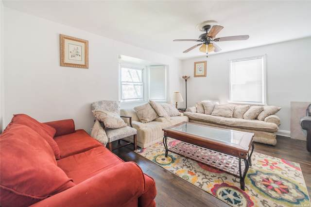 122 Duane Street, Farmingdale, NY 11735 (MLS #3323056) :: Mark Seiden Real Estate Team