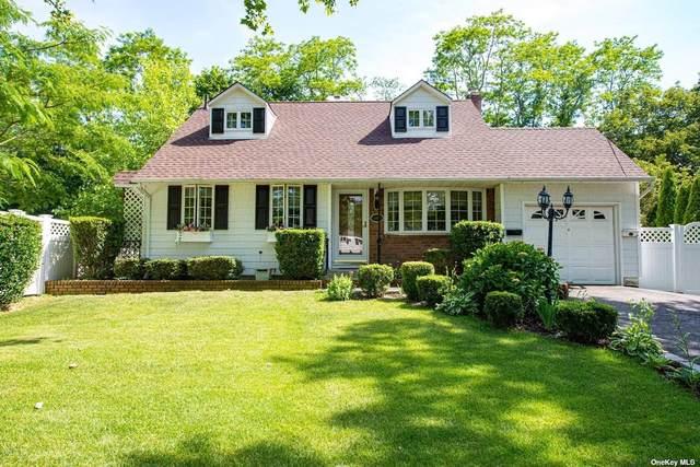 11 Lori Court, Northport, NY 11768 (MLS #3323098) :: Carollo Real Estate