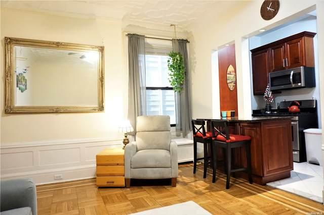 200 W 54th Street 5A, New York, NY 10019 (MLS #3323289) :: Laurie Savino Realtor