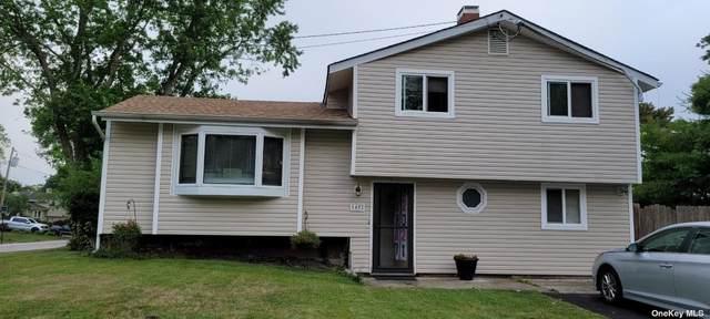 1402 Fire Avenue, Medford, NY 11763 (MLS #3323547) :: Barbara Carter Team