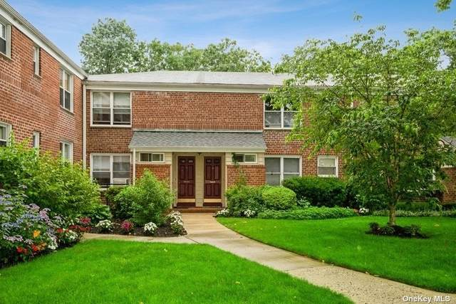 37 Edwards Street 2A, Roslyn Heights, NY 11577 (MLS #3325004) :: RE/MAX RoNIN