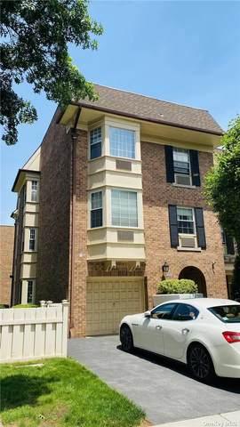 208-01 Estates Drive 3Fl, Bayside, NY 11360 (MLS #3325423) :: Frank Schiavone with Douglas Elliman
