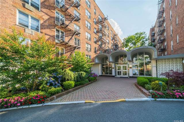 54-40 Little Neck Parkway 2-O, Little Neck, NY 11362 (MLS #3328965) :: RE/MAX RoNIN