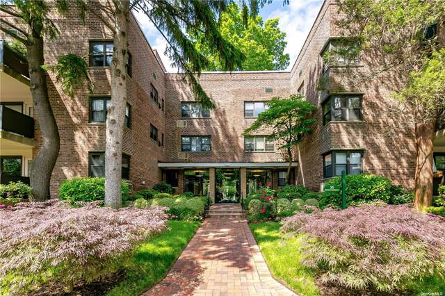 35 Knightsbridge Road 3C, Great Neck, NY 11021 (MLS #3329118) :: Carollo Real Estate