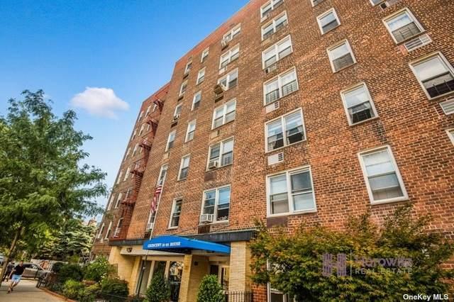31-85 Crescent Street #315, Astoria, NY 11106 (MLS #3329291) :: Howard Hanna Rand Realty