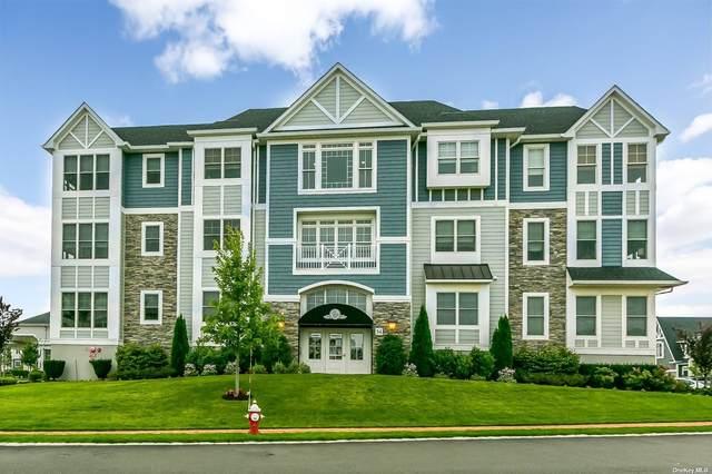 34303 Winterberry Drive #303, Plainview, NY 11803 (MLS #3329545) :: Goldstar Premier Properties
