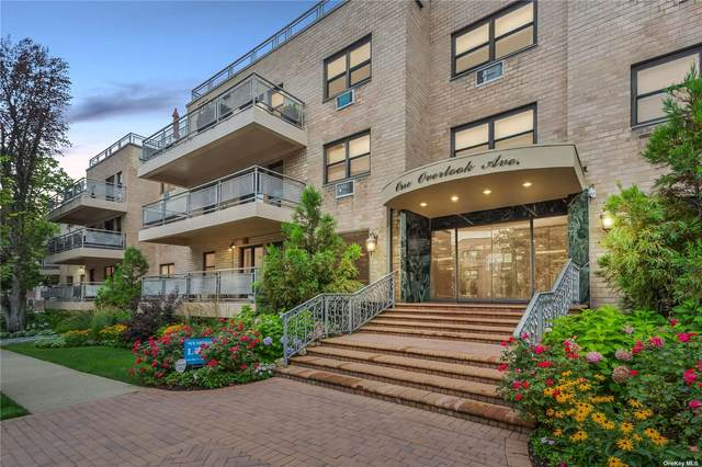 1 Overlook Avenue 3E, Great Neck, NY 11021 (MLS #3330398) :: Carollo Real Estate