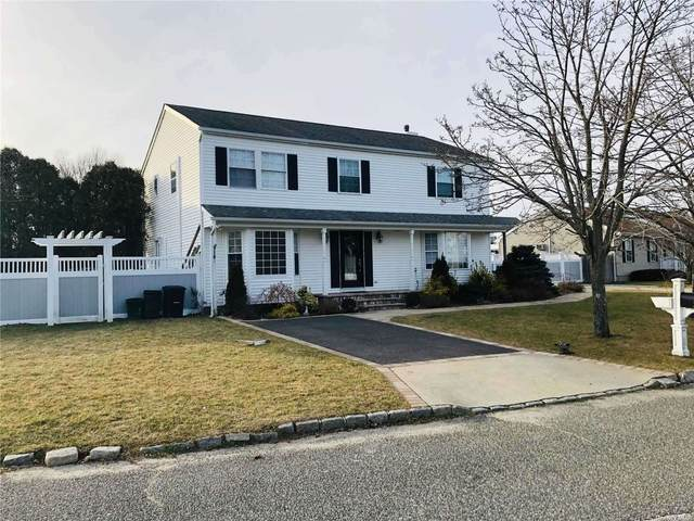 55 Meadow Court, Manorville, NY 11949 (MLS #3330713) :: Keller Williams Points North - Team Galligan