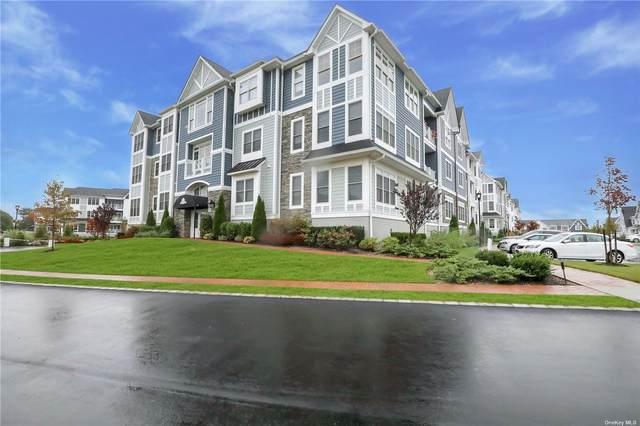 34201 Winterberry Drive #201, Plainview, NY 11803 (MLS #3331533) :: Goldstar Premier Properties
