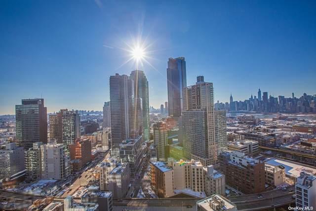 27-17 42nd Rd 19G, Long Island City, NY 11101 (MLS #3331591) :: Frank Schiavone with Douglas Elliman
