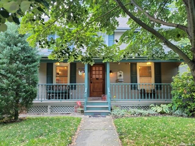 25 Woodbine Avenue, Merrick, NY 11566 (MLS #3331748) :: Kendall Group Real Estate | Keller Williams
