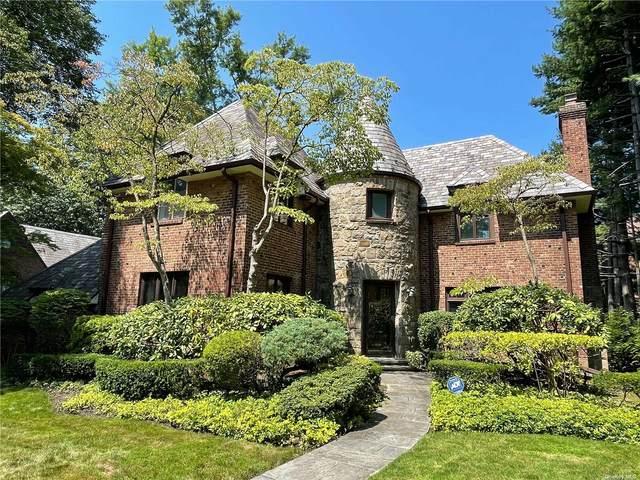1 Darley Road, Great Neck, NY 11021 (MLS #3332447) :: McAteer & Will Estates   Keller Williams Real Estate