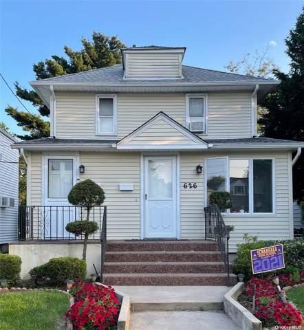 626 Stewart Avenue, New Hyde Park, NY 11040 (MLS #3332470) :: McAteer & Will Estates   Keller Williams Real Estate