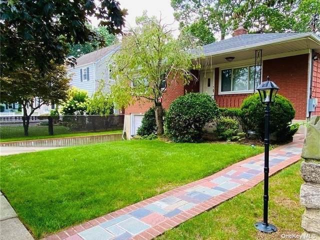 136 Raymond Street, Rockville Centre, NY 11570 (MLS #3332629) :: Goldstar Premier Properties