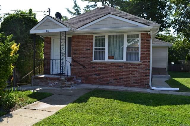 15 Franklin Street, Riverhead, NY 11901 (MLS #3332680) :: Howard Hanna | Rand Realty