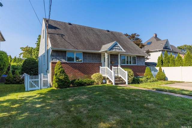 10 Forest, Rockville Centre, NY 11570 (MLS #3332692) :: Prospes Real Estate Corp