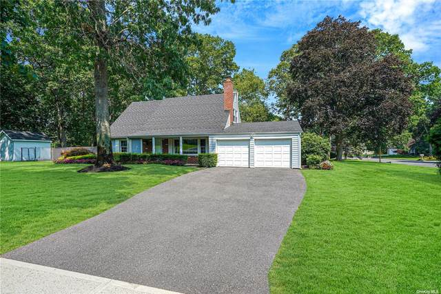 53 Howe Road, Coram, NY 11727 (MLS #3333683) :: The Home Team