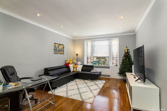 69-09 108 Street #401, Forest Hills, NY 11375 (MLS #3333848) :: The Home Team