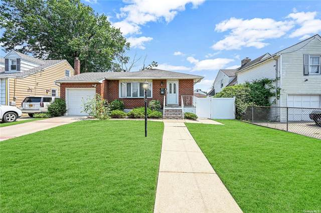 60 Beverly Road, Hempstead, NY 11550 (MLS #3333875) :: Goldstar Premier Properties