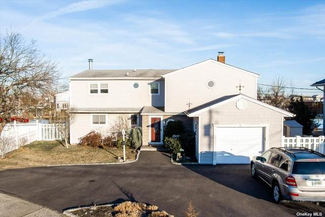 30 Manor Lane, Copiague, NY 11726 (MLS #3333969) :: Laurie Savino Realtor