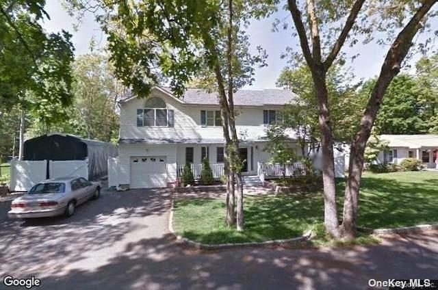 127 Hawkeye Street, Ronkonkoma, NY 11779 (MLS #3333984) :: Goldstar Premier Properties