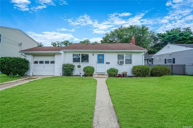1359 Lombardy Boulevard, Bay Shore, NY 11706 (MLS #3333994) :: Carollo Real Estate