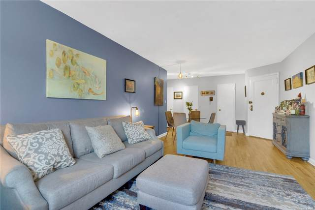 67-25 Clyde Street 3B, Forest Hills, NY 11375 (MLS #3334048) :: Laurie Savino Realtor