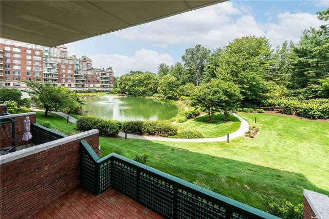 100 Hilton Avenue M26, Garden City, NY 11530 (MLS #3334082) :: Signature Premier Properties