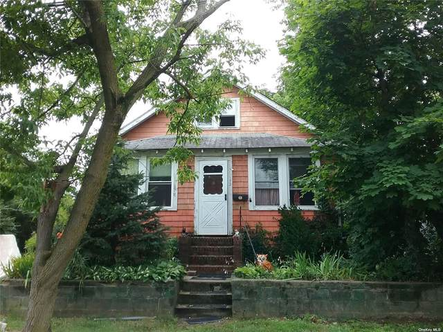 173 29th Street, Lindenhurst, NY 11757 (MLS #3334101) :: Howard Hanna Rand Realty