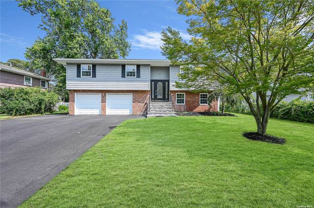 137 Cross Road, Oakdale, NY 11769 (MLS #3334128) :: Carollo Real Estate