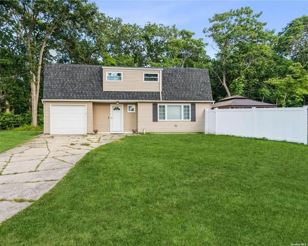 128 Mooney Pond Road, Selden, NY 11784 (MLS #3334173) :: Mark Seiden Real Estate Team