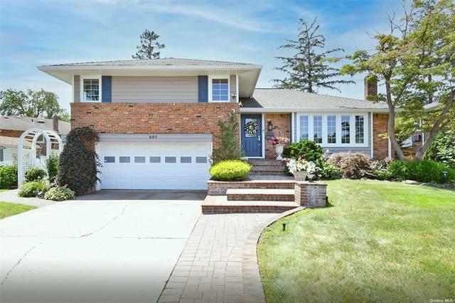 801 Brompton Drive, Westbury, NY 11590 (MLS #3334179) :: Goldstar Premier Properties