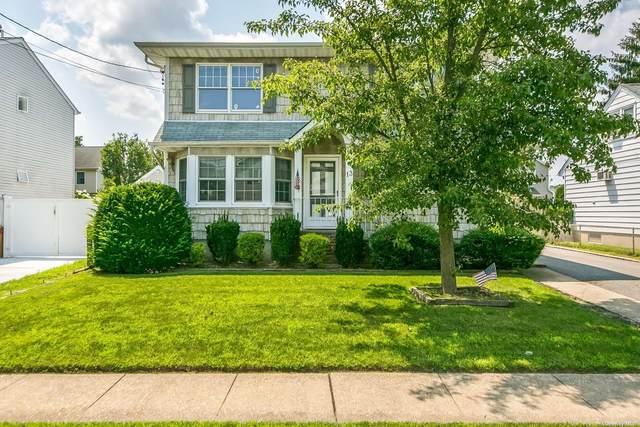 13 Cambridge Avenue, Bethpage, NY 11714 (MLS #3334190) :: Mark Seiden Real Estate Team