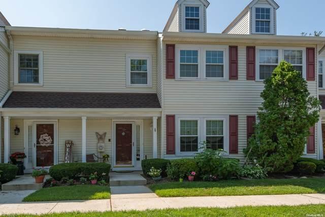 49 Stratford #49, Farmingdale, NY 11735 (MLS #3334205) :: Mark Seiden Real Estate Team