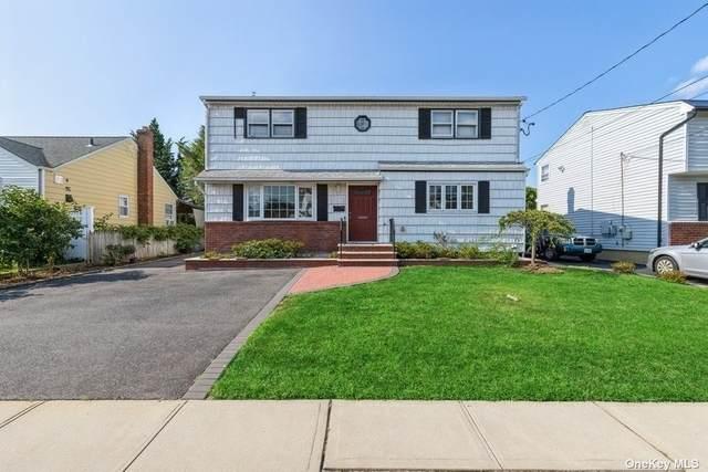 11 Colony Street, Hicksville, NY 11801 (MLS #3334251) :: Cronin & Company Real Estate