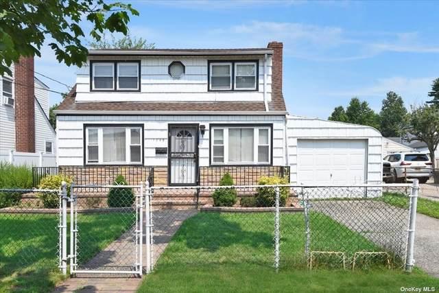 1049 Midland Street, Uniondale, NY 11553 (MLS #3334327) :: Goldstar Premier Properties