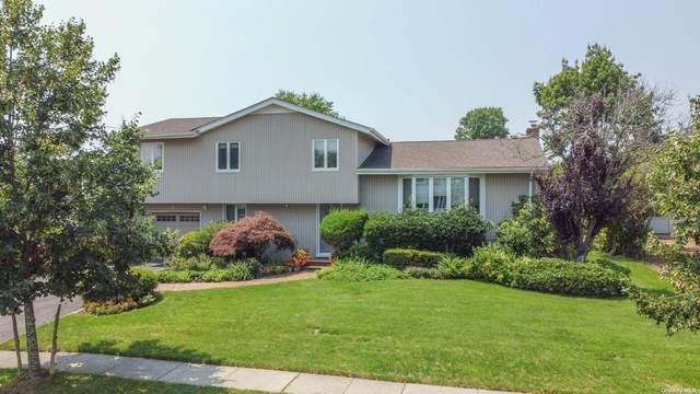 3 Montgomery Place, Jericho, NY 11753 (MLS #3334421) :: Cronin & Company Real Estate