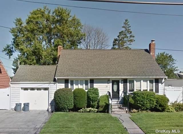 Hicksville, NY 11801 :: Goldstar Premier Properties