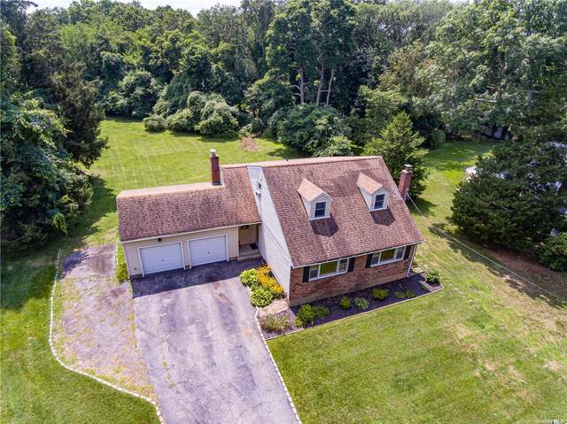 16 Oxford Lane, Smithtown, NY 11787 (MLS #3334443) :: Goldstar Premier Properties