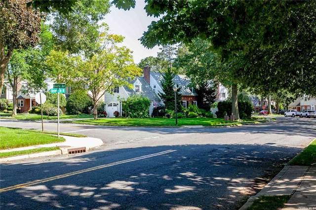 27 Revere Drive W, Floral Park, NY 11001 (MLS #3334713) :: Signature Premier Properties